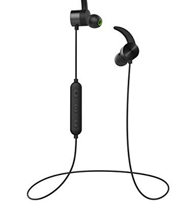 In-ear earphones built-in mic - earphones with microphone running